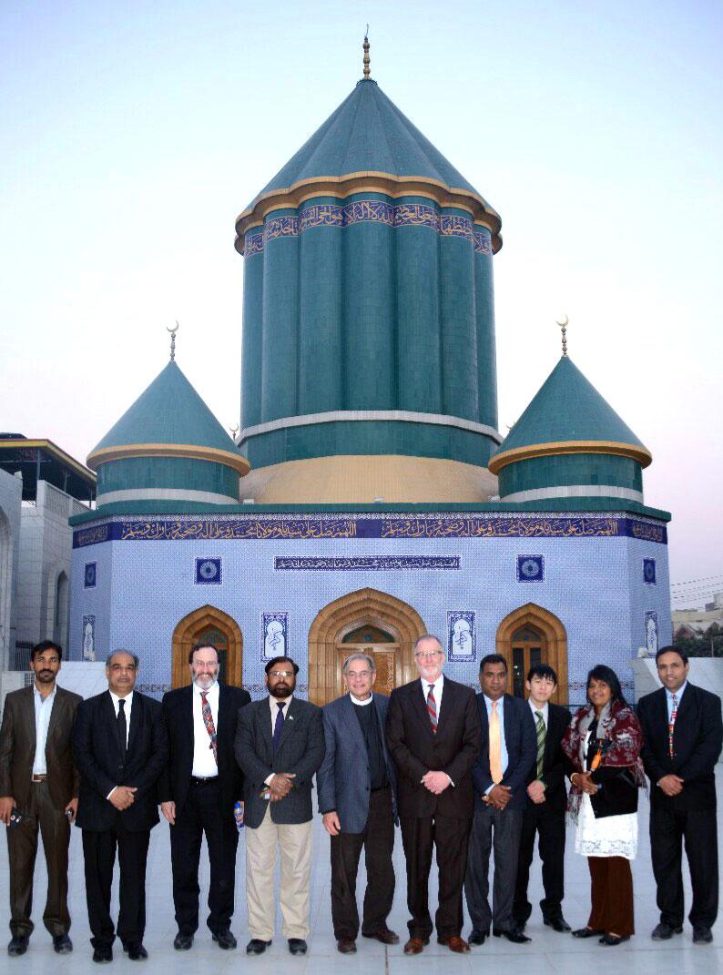 Christian delegation visits central secretariat, lauds MQI
