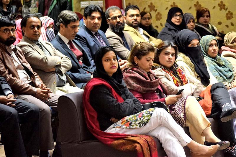 منہاج یونیورسٹی لاہور میں لائبریری کا سنگ بنیاد