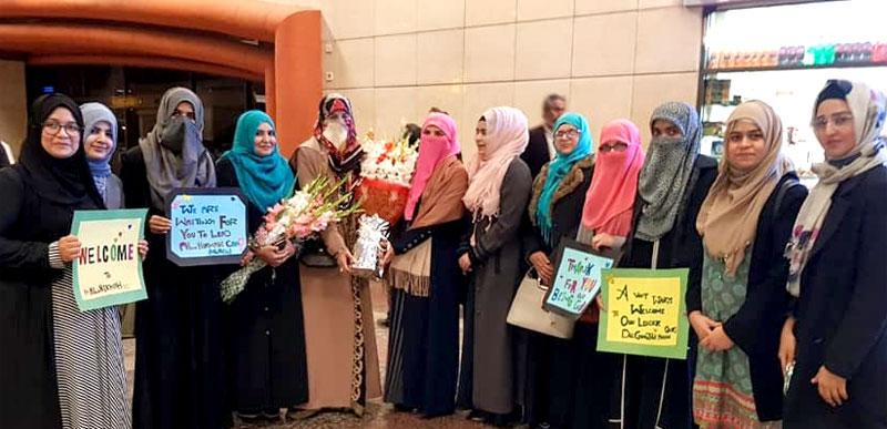 Dr. Ghazala Hassan Qadri reaches Lahore to address Al-Hikmah Camp 2020
