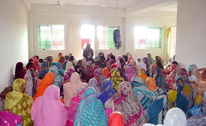 خواتین اعتکاف گاہ کے تربیتی حلقہ جات