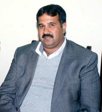 محمد اقبال چوہدری کو(PAT) کا سیکریٹری جنرل یورپ نامزد ہونے پر مبارکباد پیش کرتے ہیں، چوہدری امتیاز احمد آکیہ