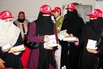 عید الاضحیٰ کے موقع پر مریضوں میں کھانے کی تقسیم - منہاج القرآن ویمن لیگ