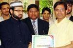 منہاج MCB یورپ کی طرف سے پاکستانی صحافیوں میں تقسیم اسناد کی تقریب