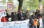 کشمیر فورم برلن (جرمنی) کی طرف سے بیرسٹر سلطان محمود چوہدری کے ساتھ کشمیریوں کے لئے مظاہرہ