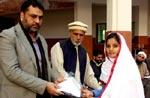 منہاج ویلفیئر فاؤنڈیشن کے زیراہتمام طالبات میں یونیفارم اور کتب کی تقسیم