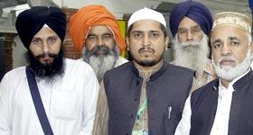 سکھ یاتریوں کے بیساکھ میلے میں منہاج القرآن کے قائدین کی شرکت