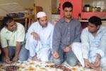 منہاج القرآن انٹرنیشنل آئرلینڈ کے زیراہتمام شہاب خان کی رہائشگاہ پر حلقہ گوشہ درود کی محفل