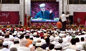 Itikaf City 2011: Day Five - Shaykh-ul-Islam speaks to Juma-tul-Wida congregation