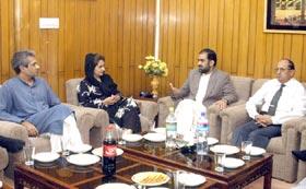 تحریک انصاف کی طلعت نقوی اور عمر چیمہ کی تحریک منہاج القرآن کے ناظم اعلیٰ ڈاکٹر رحیق احمد عباسی سے ملاقات