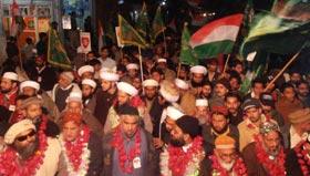 تحریک منہاج القرآن گجرات کے زیراہتمام مشعل بردرار جلوس