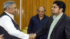 نیشنل مینجمنٹ کالج کے سینئر آفیسرز کی ڈاکٹر حسین محی الدین القادری سے ملاقات