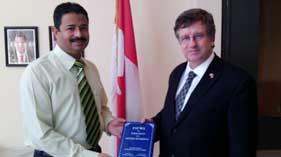 منہا ج پیس اینڈ انٹی گریشن (کویت) کی طرف سے کینڈا کے سفیر ڈگلس جارج سے ملاقات
