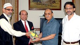 گورنر پنجاب سے منہاج القرآن انٹرنیشنل کے وفد کی ملاقات