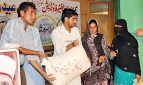 منہاج ویلفیئر فاؤنڈیشن (کھوئیرٹہ آزاد کشمیر) کے زیراہتمام عید راشن پیکج کی تقسیم