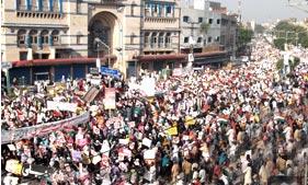 پر امن احتجاج دنیا بھر کے کروڑوں مسلمانوں کا انسانی اور جمہوری حق ہے۔ شیخ الاسلام ڈاکٹر طاہر القادری