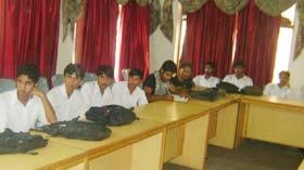 ماڈل ٹاؤن ڈگری کالج کے طلبہ کا مرکز ی سیکرٹریٹ منہاج القرآن کا وزٹ