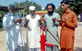 رحیم یار خان : منہاج ویلفیئر فاؤنڈیشن کے تحت واٹر پمپ کی تنصیب