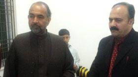 یونیورسٹی آف پشاور کے وائس چانسلر پروفیسر ڈاکٹر قبلہ ایاز کا دورہ آغوش