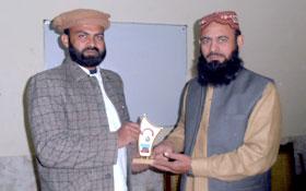 لاہور : جامعہ ریاض القرآن نشتر ٹاؤن میں تقریب تقسیم اسناد عرفان القرآن کورس