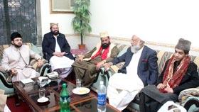 مشائخ عظام اور پیران کرام کا ڈاکٹر طاہرالقادری کی مکمل حمایت کا اعلان