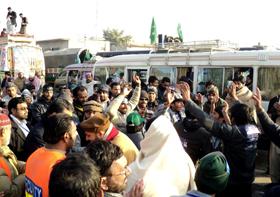 لانگ مارچ - لاہور سے کھاریاں تک کا سفر18 گھنٹوں میں (لمحہ بہ لمحہ)
