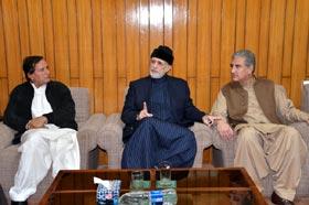 PTI leaders, Dr Tahir-ul-Qadri discuss electoral alliance, ECP reconstitution