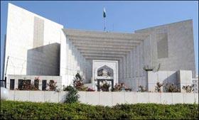 الیکشن کمیشن کی آئینی تقاضوں کے مطابق تشکیل نو کیلئے آئین پاکستان دہری شہریت کے باوجود بحیثیت ووٹر درخواست کا اختیار دیتا ہے۔ ڈاکٹر قادری