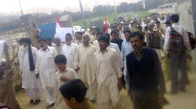 نوشہرہ: وادیءِ سون میں لوڈ شیڈنگ کے خلاف پاکستان عوامی تحریک کی احتجاجی ریلی