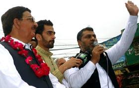 جہلم: پاکستان عوامی تحریک کی کرپٹ انتخابی نظام کے خلاف احتجاجی ریلی
