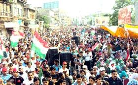 سیالکوٹ : پاکستان عوامی تحریک کا کرپٹ نظام انتخاب کے خلاف پرامن دھرنا