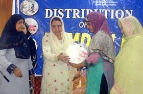 منہاج القرآن ویمن لیگ کے زیراہتمام 300 مستحق خاندانوں میں رمضان پیکیج کی تقسیم