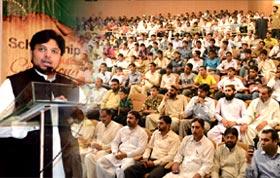 فیصل آباد: عبادت سے جنت ملتی ہے اور خدمت خلق سے خدا ملتا ہے، ڈاکٹر حسین محی الدین قادری کا سکالرشپ کی تقریب تقسیم سے خطاب