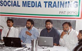 پشاور: سوشل میڈیا ٹریننگ کیمپ برائے رضاکاران