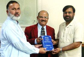 لاہور: ڈائریکٹر انٹرفیتھ ریلیشنز کی بشپ ڈاکٹر سیموئل رابرٹ عزرایا سے ملاقات