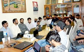 لاہور: تحریک منہاج القرآن کینٹ ٹاؤن کے زیراہتمام سوشل میڈیا ٹریننگ کیمپ برائے رضاکاران