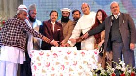لاہور: ڈائریکٹر انٹرفیتھ ریلیشنز کی ہیپی کرسمس کے پروگرام میں شرکت