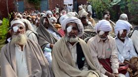 نارووال: منہاج ویلفیئر فاؤنڈیشن کے زیراہتمام 17 واں فری آئی سرجری کیمپ