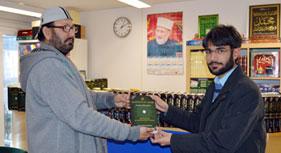 ڈنمارک: منہاج القرآن یورپ کے عہدیداران کا منہاج القرآن لائبریری ڈنمارک کا دورہ