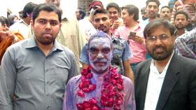 لاہور: ڈائریکٹر انٹرفیتھ ریلیشنز کی وفد کے ہمراہ ہولی دیوالی کے تہوار میں شرکت