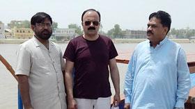 سکھر: ڈائریکٹر انٹرفیتھ ریلیشنز کا تاریخی مندر سادھو بیلا کا وزٹ