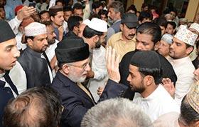 Dr Tahir-ul-Qadri offers Eid prayer in Model Town, meets martyrs' families