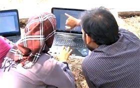 انقلاب مارچ میں چھوٹے بچوں کے علاوہ بڑی عمر کے طلبہ کے لیے کمپیوٹر کلاس کا آغاز