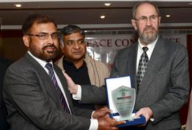 ڈائریکٹوریٹ آف انٹرفیتھ ریلیشنز منہاج القرآن انٹرنیشنل کیلئے پیس ایوارڈ 2014
