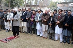 Khurram Nawaz Gandapur offers funeral prayers of martyrs in Peshawar