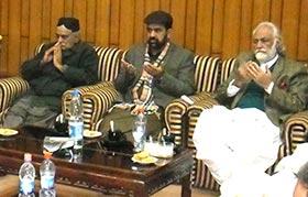 عوامی تحریک کی سنٹرل ورکنگ کونسل کا ہنگامی اجلاس، پشاور دہشت  گردی کی مذمت اور شہدا کیلئے فاتحہ خوانی
