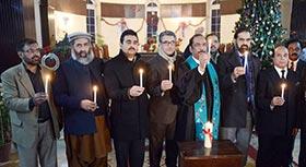 نولکھا چرچ لاہور میں دعائیہ تقریب، شہدائے پشاور کی یاد میں شمعیں روشن کی گئیں