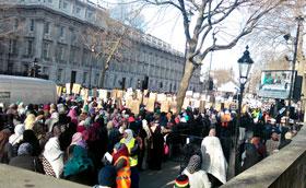 UK: Muslims protest sacrilegious caricatures