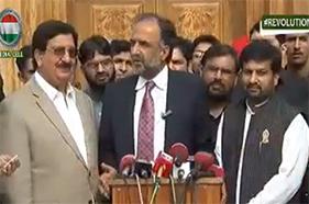 Qamar Zaman Qaira and Shaikh Rasheed visited Central Secretariat PAT