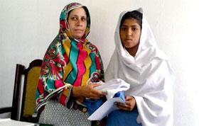 کھاریاں: منہاج ویلفیئر فاؤنڈیشن کے زیراہتمام مستحق طلبہ و طالبات میں یونیفارمز کی تقسیم