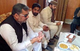 تحریک منہاج القرآن الہ آباد کے ناظم ظفر اقبال سے ناظم اعلی شیخ زاہد فیاض کی تعزیت